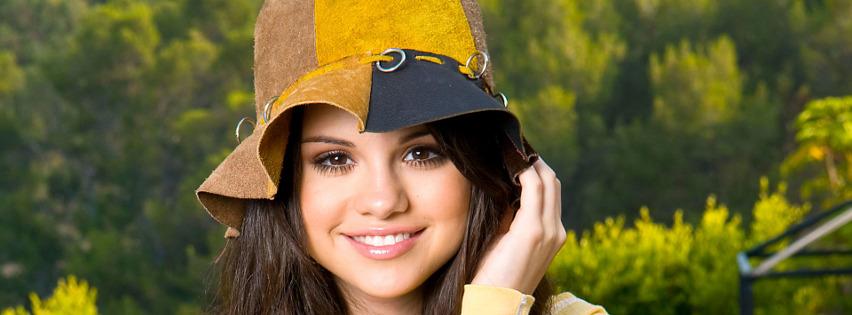 Selena Gomez Facebook Kapak Fotografı