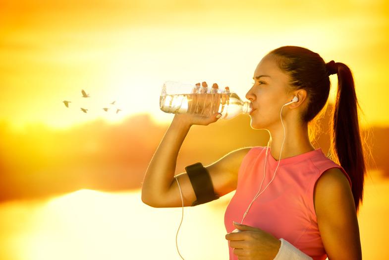 Karın-Eritme-Yöntemleri-Su-İçmek