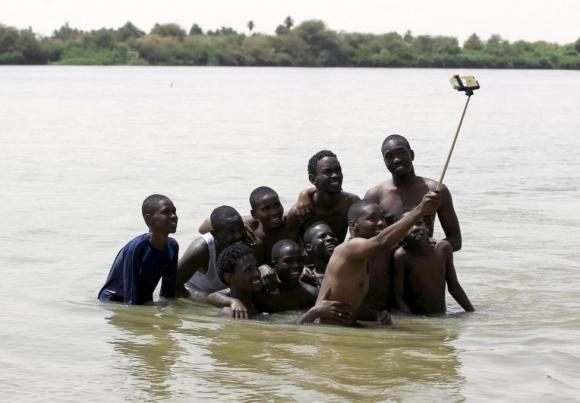 nil-nehri-selfiesi-sudan